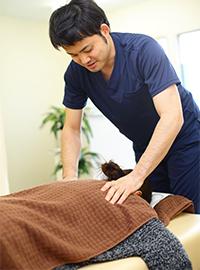 肩・首のこり・痛みの原因を見つけ、改善します